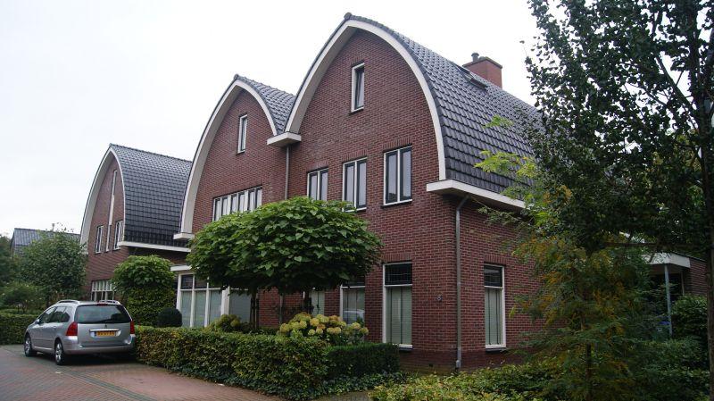 Nieuwbouw 2009 – vrijstaande en 2 onder 1 kap woningen Stompekamperweg te Ede